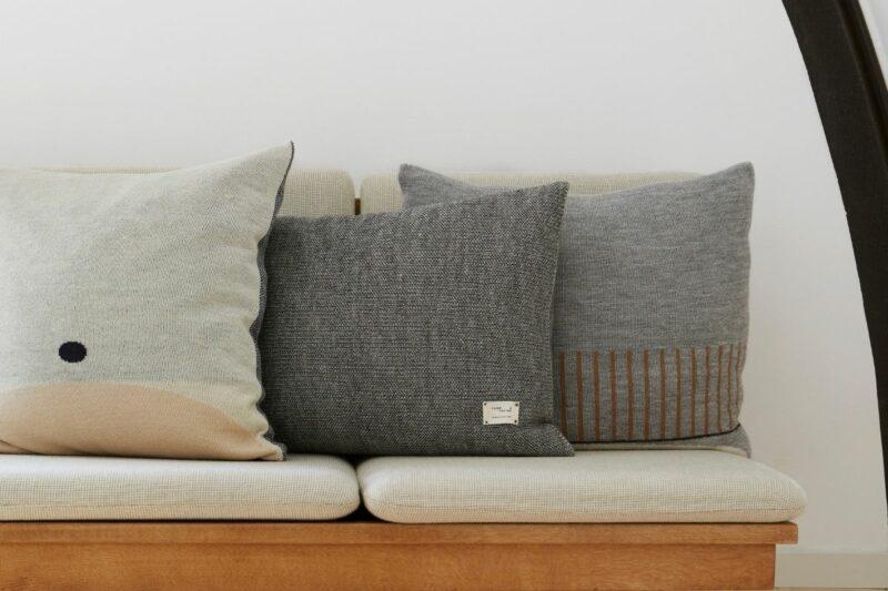 Form & Refine plaid/cushion