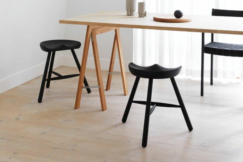 Form & Refine shoemakers chair