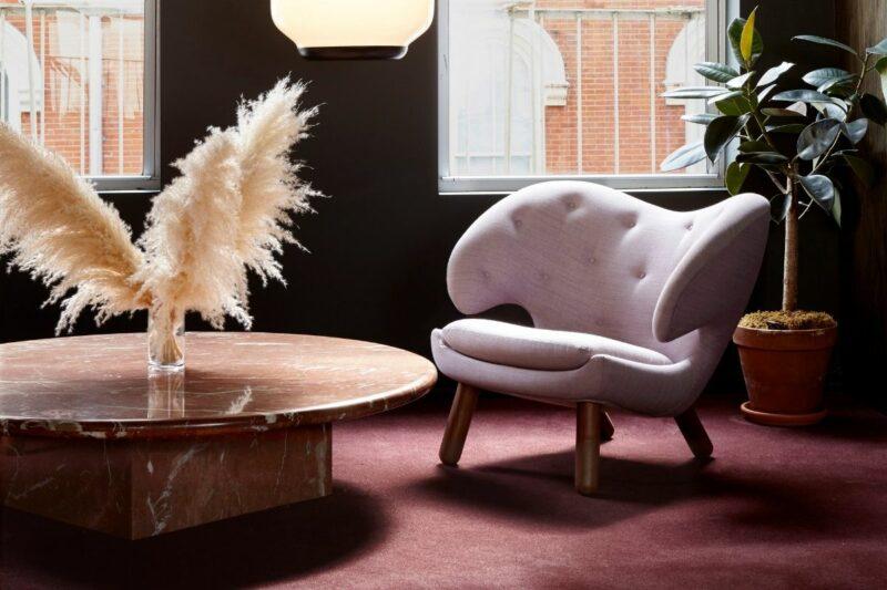 houseoffinnjuhl-pelicanchair2