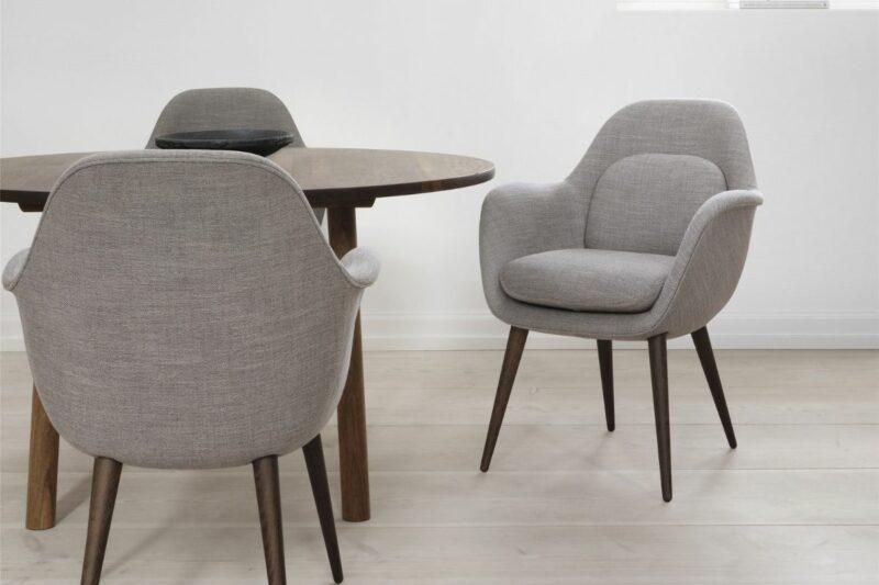 Fredericia_Swoon_chair_houtenvoet.jpg